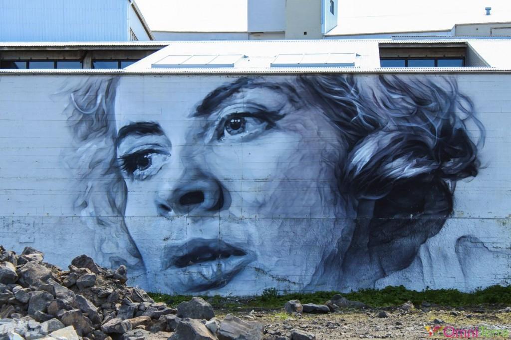 Islande - Reykjavik - Murale visage