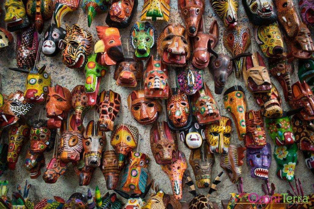 Guatemala - Antigua - Masques